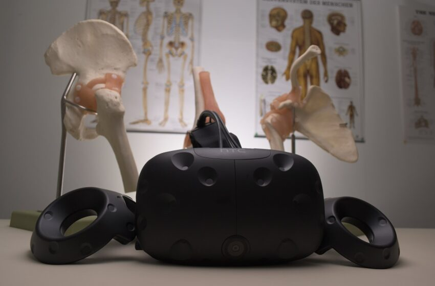 Augmented Reality and Virtual Reality for Treatment of Diseases